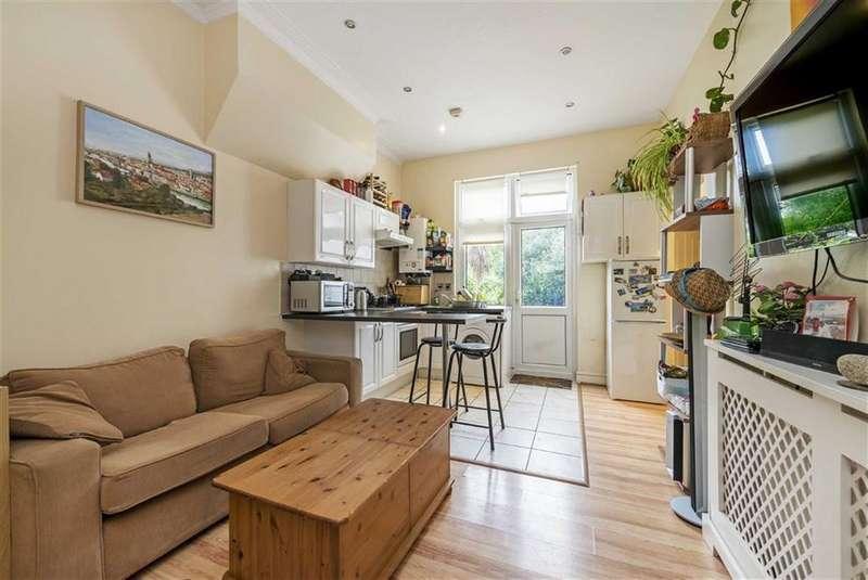 2 Bedrooms Flat for sale in Ribblesdale Road, Furzedown, London