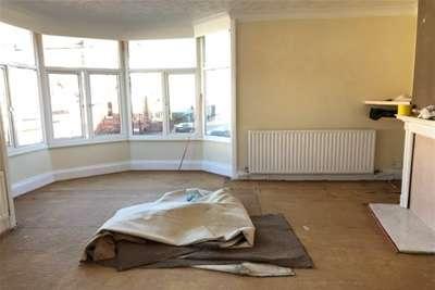 2 Bedrooms Flat for rent in POKESDOWN