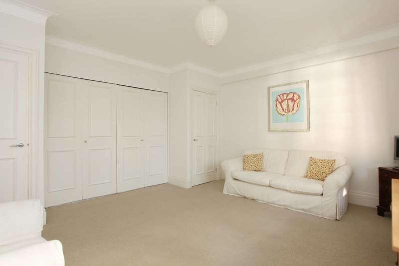 Studio Flat for sale in Vicarage Court, Vicarage Gate, Kensington, W8