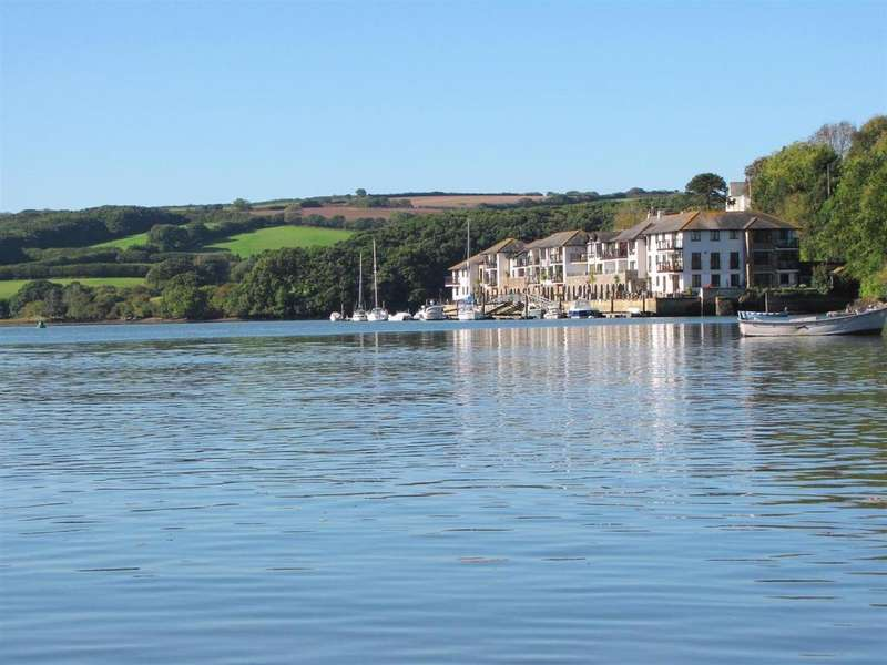 2 Bedrooms Flat for sale in Victoria Quay, Malpas