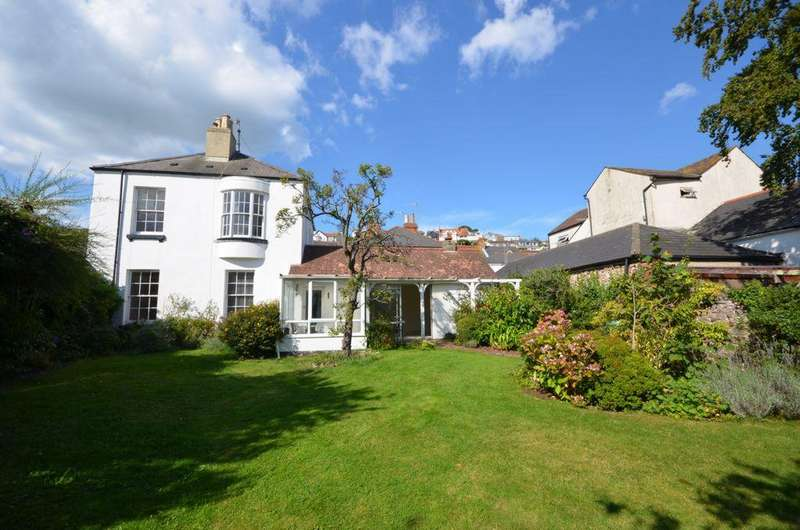 4 Bedrooms House for sale in Third Court, High Street, Dawlish, EX7