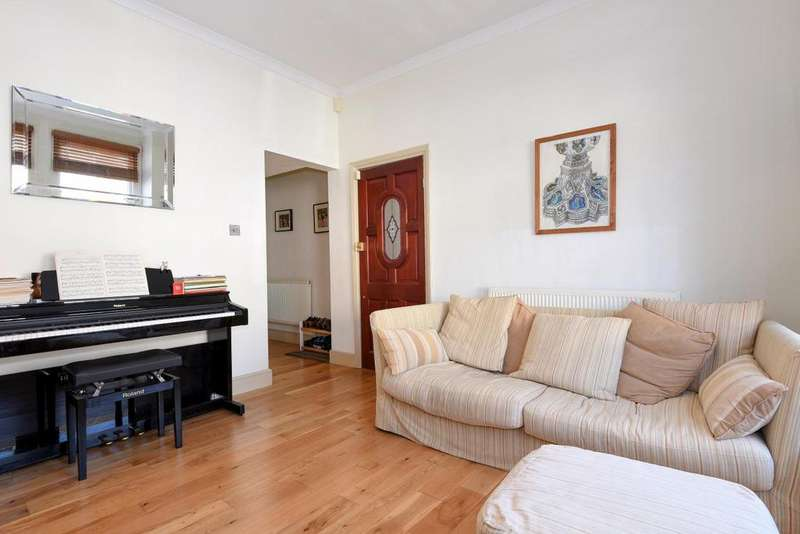 2 Bedrooms Flat for sale in Biscay Road, Hammersmith