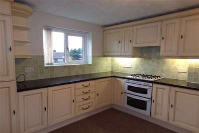 3 Bedrooms House for rent in Gloves Lane, Blackwell, DE55
