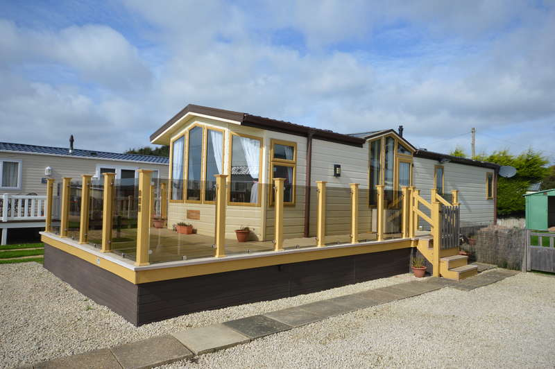 2 Bedrooms Caravan Mobile Home for sale in Solent Breezes Holiday Park, Hook Lane, Warsash