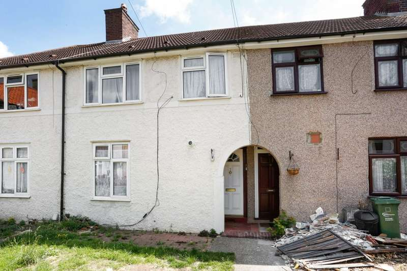 3 Bedrooms Property for sale in Nicholas Road, Dagenham, RM8