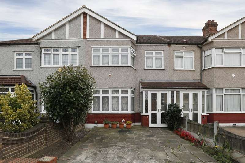 4 Bedrooms Property for sale in Geneva Gardens, Chadwell Heath, Romford, RM6