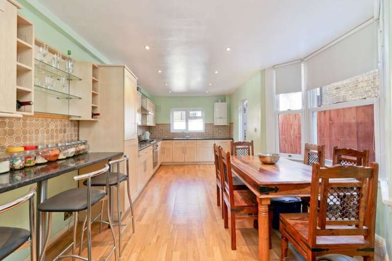 3 Bedrooms Property for sale in Medlar Street, Camberwell, London, SE5