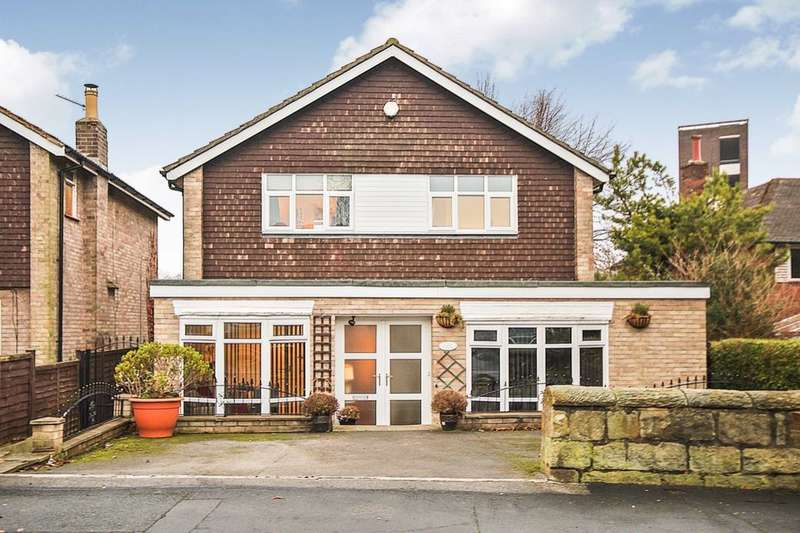 4 Bedrooms Detached House for sale in Stonegate Road, Leeds, LS17