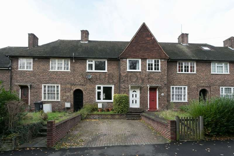 3 Bedrooms Property for sale in Hornbeam Grove, Chingford, London, E4
