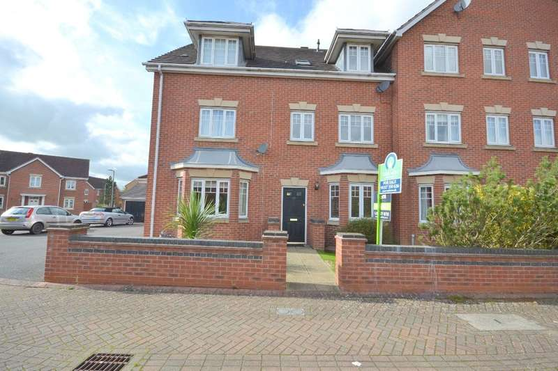 3 Bedrooms Property for sale in Wilson Close, Daventry, NN11