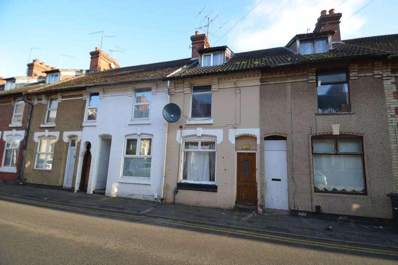 3 Bedrooms Property for rent in Wellington Street, Kettering, NN16