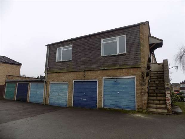 2 Bedrooms Detached House for rent in Dove Tree Road, Leighton Buzzard, Bedfordshire