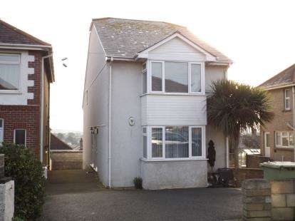 2 Bedrooms Maisonette Flat for sale in Newquay, Cornwall, .