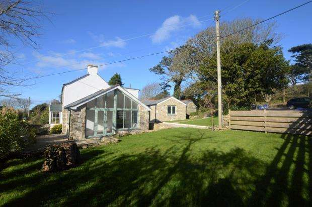 3 Bedrooms Detached House for sale in Tresowes Hill, Ashton, Helston, Cornwall