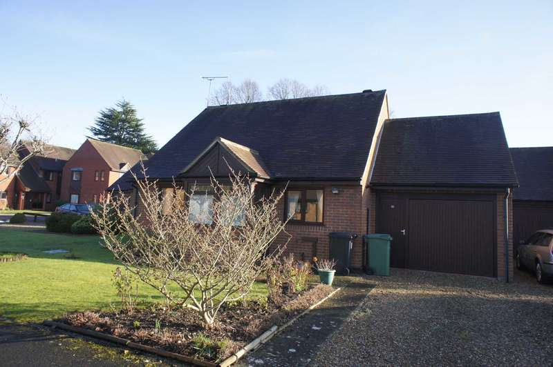 2 Bedrooms Bungalow for sale in Essex Way, Sonning Common