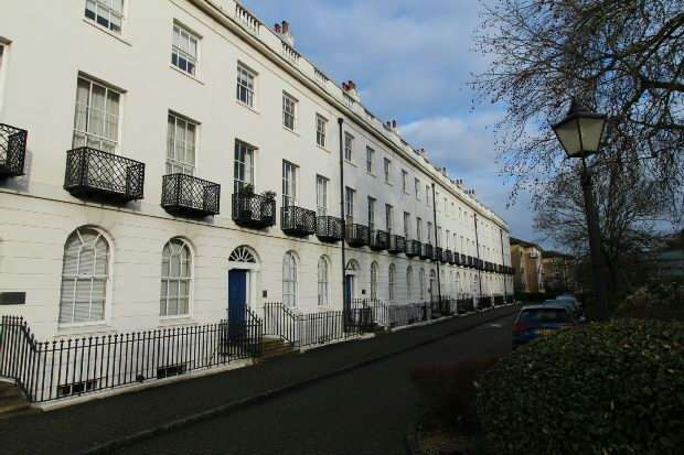 2 Bedrooms Flat for sale in Albion Terrace, Reading