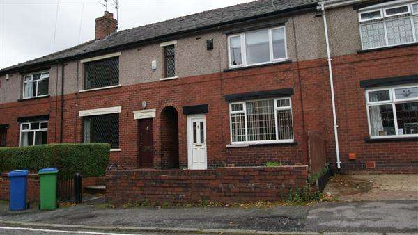 3 Bedrooms Terraced House for rent in Churchill Street, Rochdale