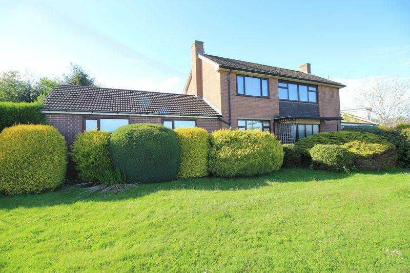 3 Bedrooms Detached House for sale in Hampton Rise, Oswestry