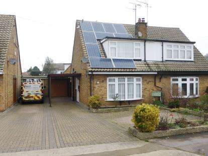 3 Bedrooms Semi Detached House for sale in Thundersley, Benfleet, Essex