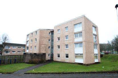 2 Bedrooms Flat for sale in Ballochmyle, Calderwood
