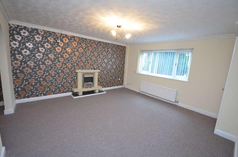 3 Bedrooms Town House for rent in Gordon Street, Darwen