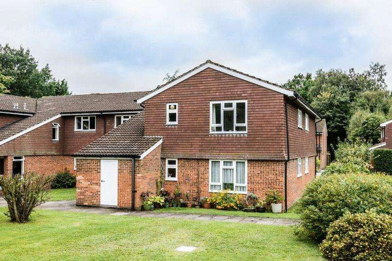 1 Bedroom Apartment Flat for sale in PIXHAM LANE, DORKING