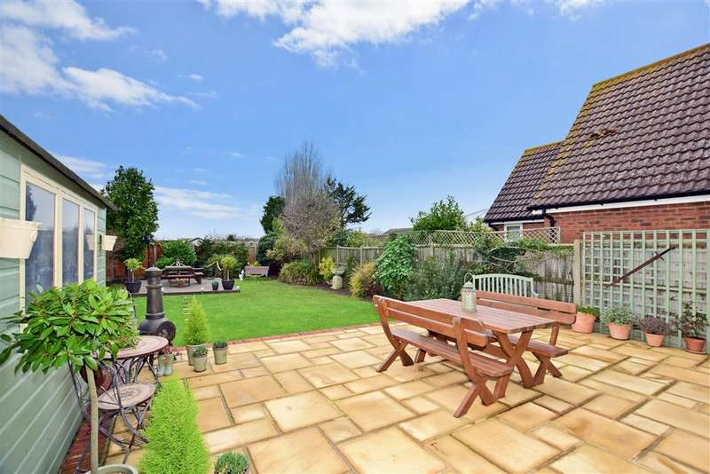 4 Bedrooms Detached House for sale in Faversham Road, , Seasalter, Whitstable, Kent