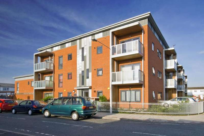2 Bedrooms Flat for sale in Helene House, Canning Town, E16