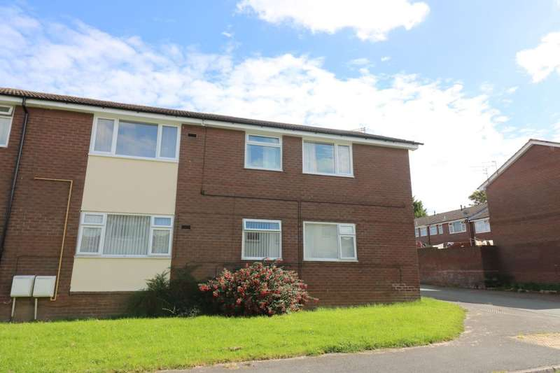 3 Bedrooms Flat for sale in Huxley Court, Rivacre, Ellesmere Port, CH66