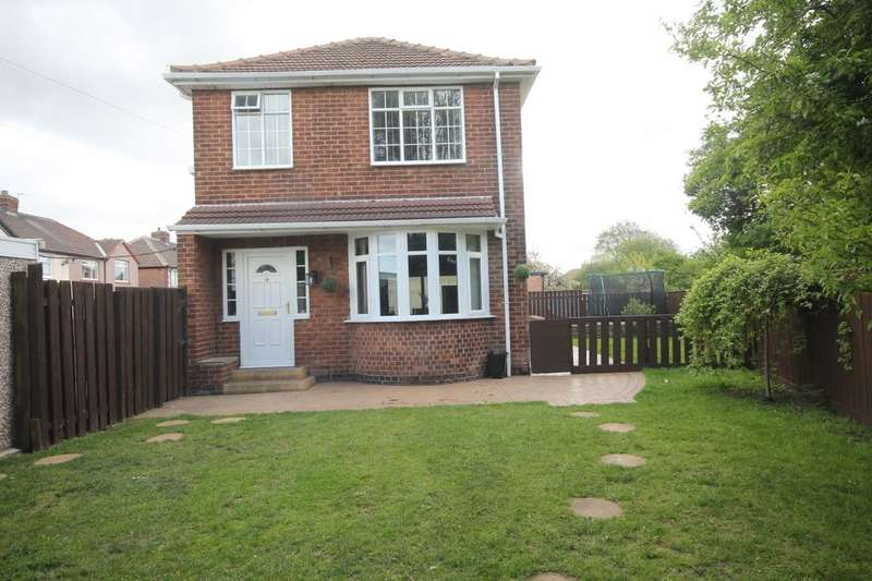 3 Bedrooms Detached House for sale in Cleveland Avenue, Norton, Stockton-On-Tees, TS20