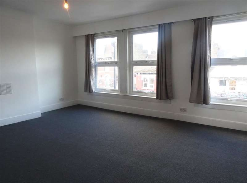 3 Bedrooms Property for rent in Turnpike Lane, Turnpike Lane
