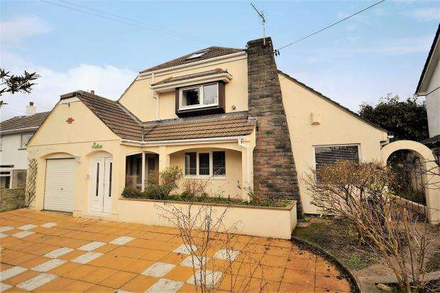 5 Bedrooms Detached House for sale in St. Germans Road, Callington, Cornwall
