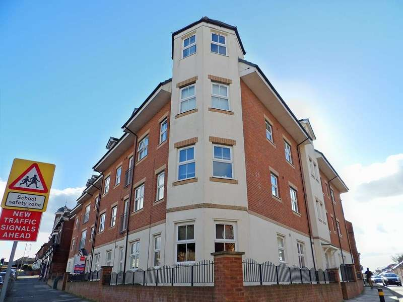 2 Bedrooms Apartment Flat for sale in Rekendyke Mews, Laygate, South Shields, Tyne and Wear, NE33 4JN