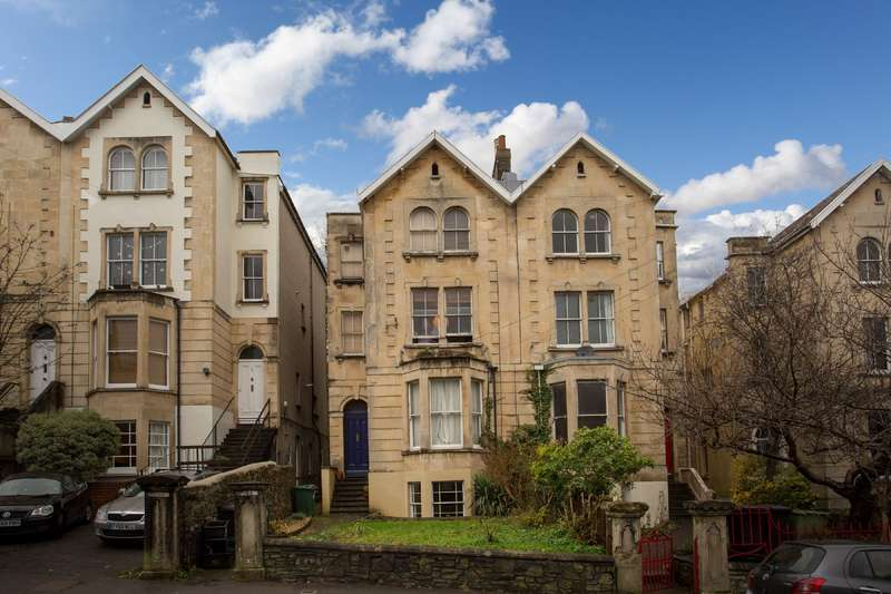2 Bedrooms Flat for sale in Cotham Brow