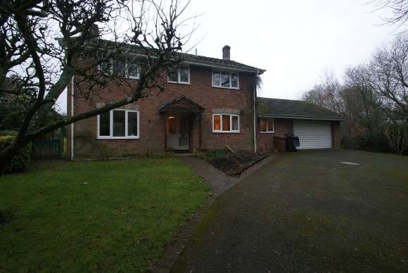 4 Bedrooms Detached House for rent in Manor Close, Abbotts Ann