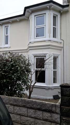 3 Bedrooms Semi Detached House for rent in Lovely semi-detached three bedroom house in St Johns