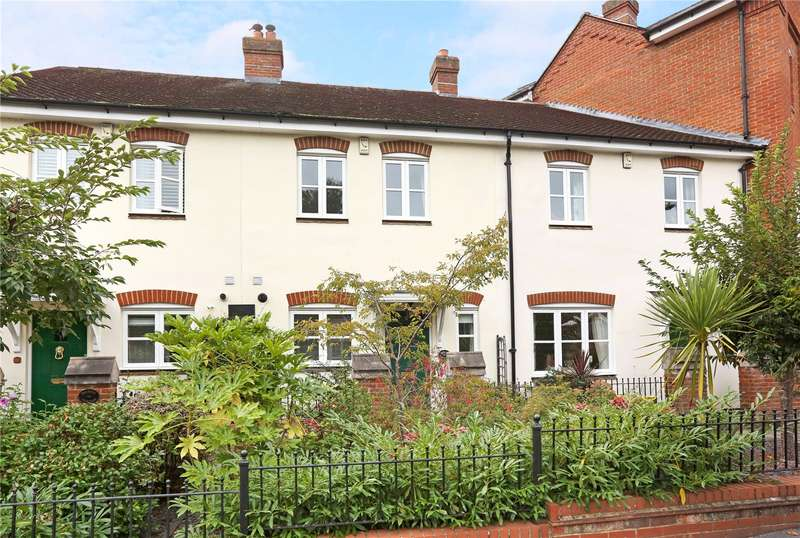 2 Bedrooms Terraced House for sale in Malthouse Way, Marlow, Buckinghamshire, SL7