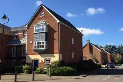 4 Bedrooms House for rent in Turners Avenue