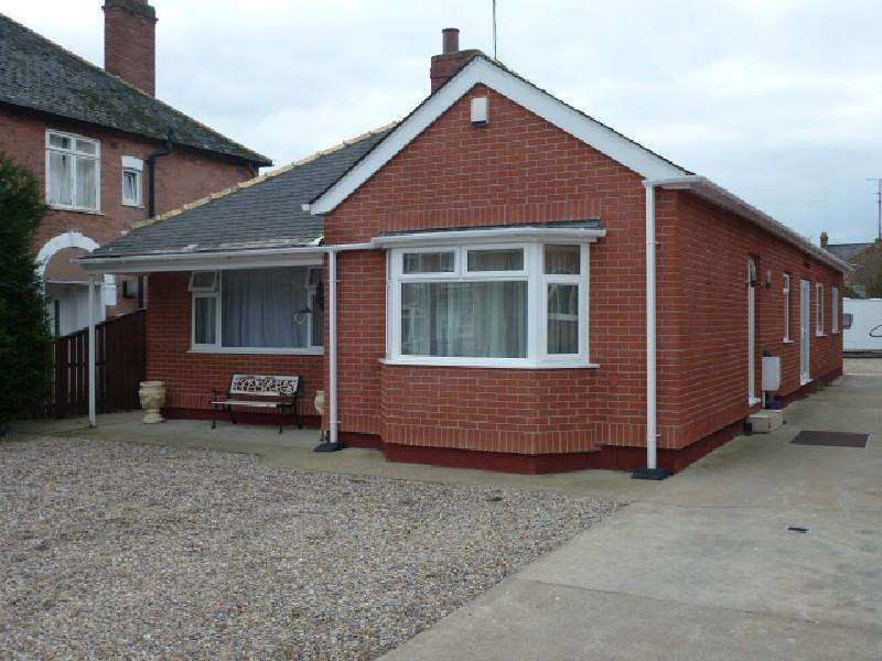 4 Bedrooms Detached Bungalow for sale in Kensington Gardens, Darlington