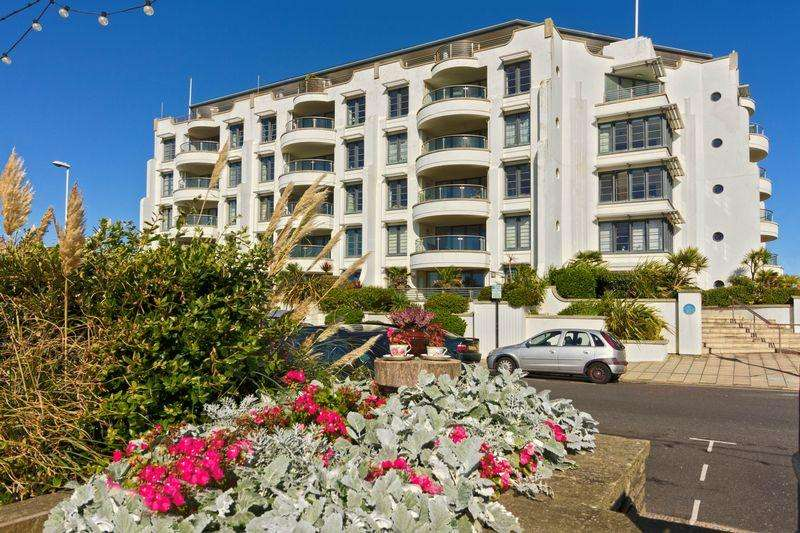 2 Bedrooms Apartment Flat for sale in Steyne Gardens, Worthing