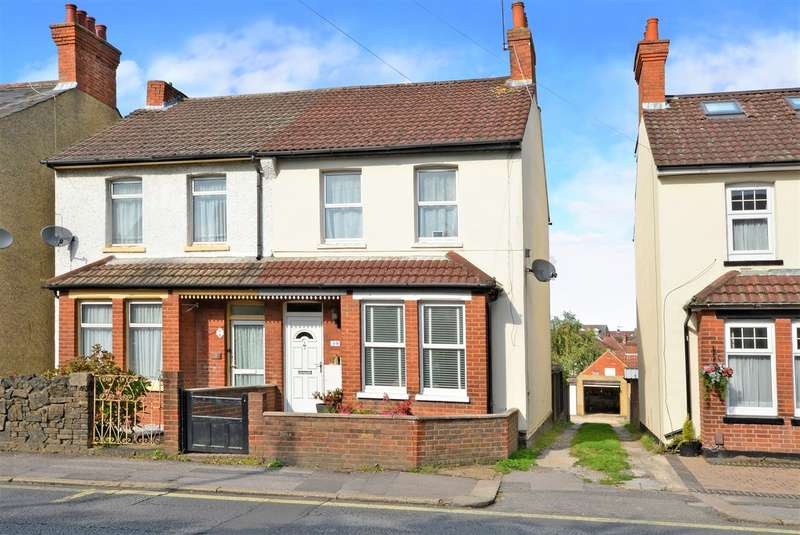 3 Bedrooms Semi Detached House for sale in Ash Road, Aldershot GU12