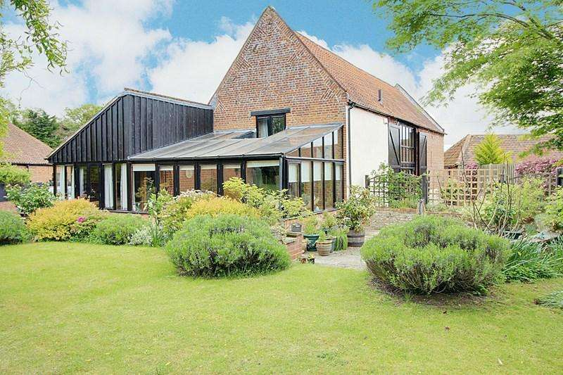 3 Bedrooms Barn Conversion Character Property for sale in Pettywell, Reepham, Norwich