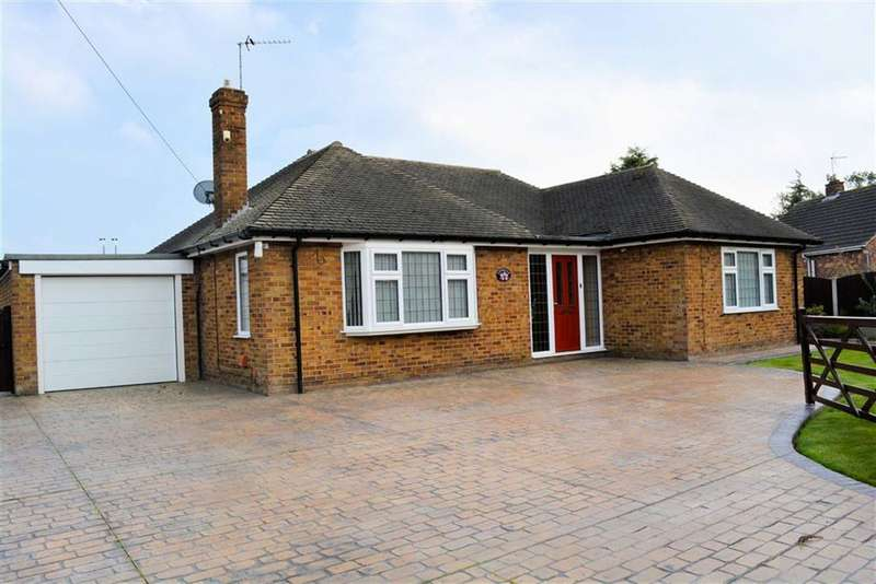 3 Bedrooms Detached Bungalow for sale in Back Lane, Osgodby, YO8