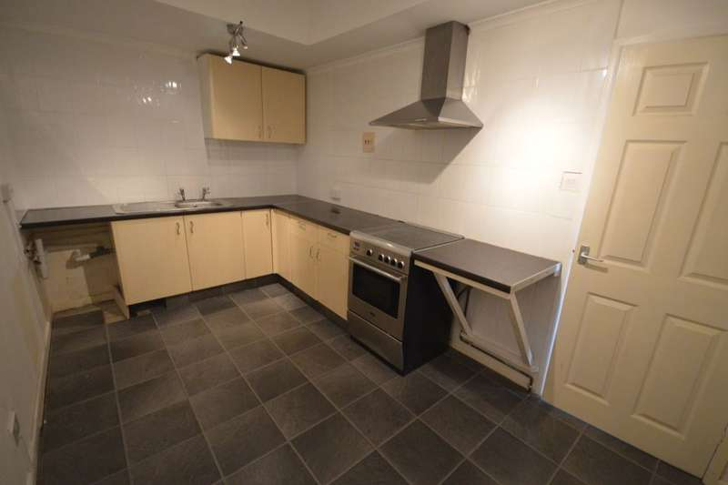 2 Bedrooms Flat for rent in Sutton Road, Admaston, Telford, TF5