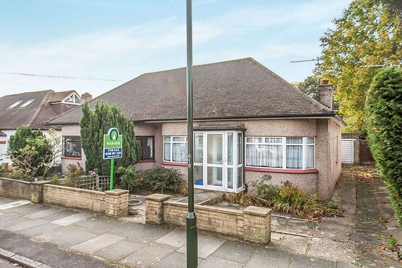 2 Bedrooms Semi Detached House for sale in Rosecroft Gardens, Twickenham, TW2