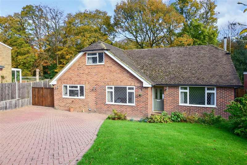 3 Bedrooms Bungalow for sale in Medway, , Crowborough, East Sussex