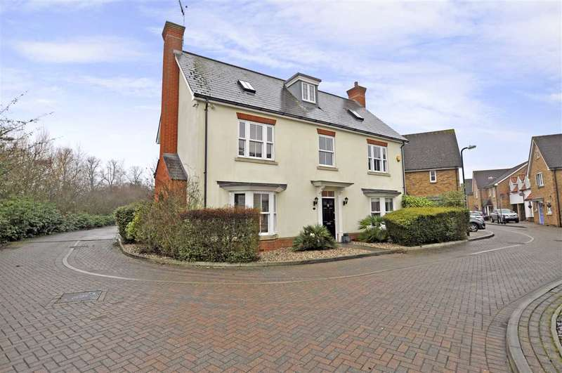 5 Bedrooms Detached House for sale in Tailors Close, Great Notley
