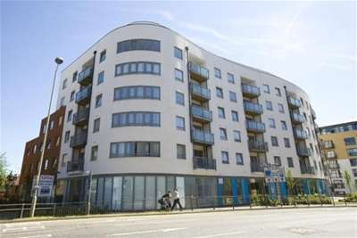 2 Bedrooms Flat for rent in Ashleigh Court, WD17