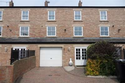 4 Bedrooms House for rent in Spring Gardens Court, North Shields