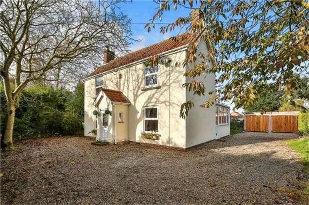 3 Bedrooms Detached House for sale in Whinburgh Road, Westfield, Dereham, Norfolk